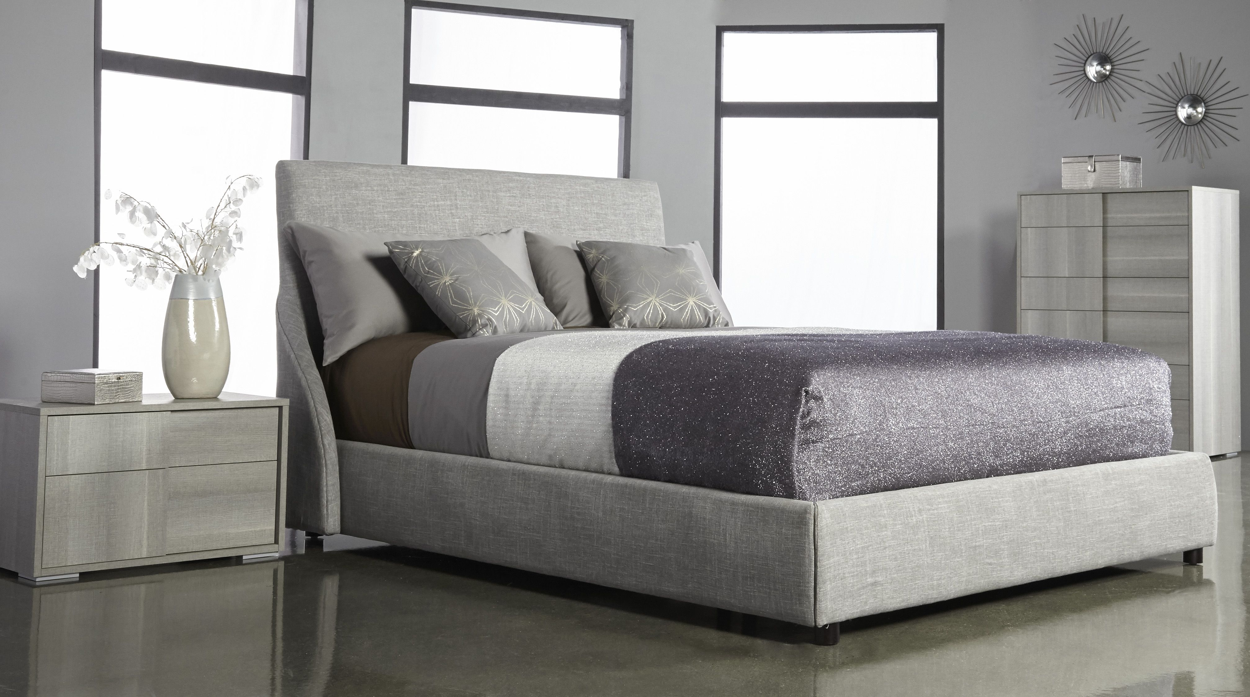 Best Solari Queen Bed With Forte Chest And Nightstand 640 x 480
