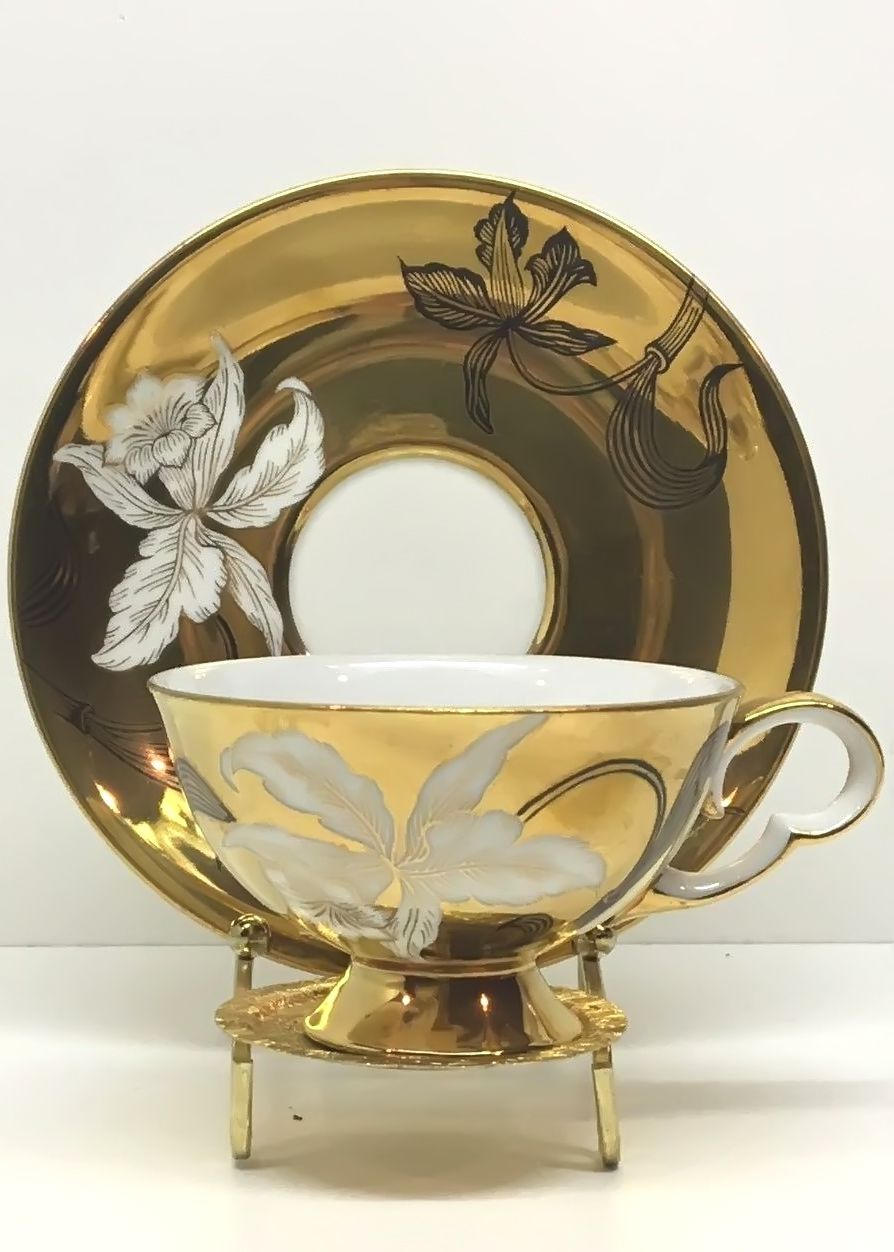 Antique Vintage Wako China Tea Cup & Saucer Gold w/ White