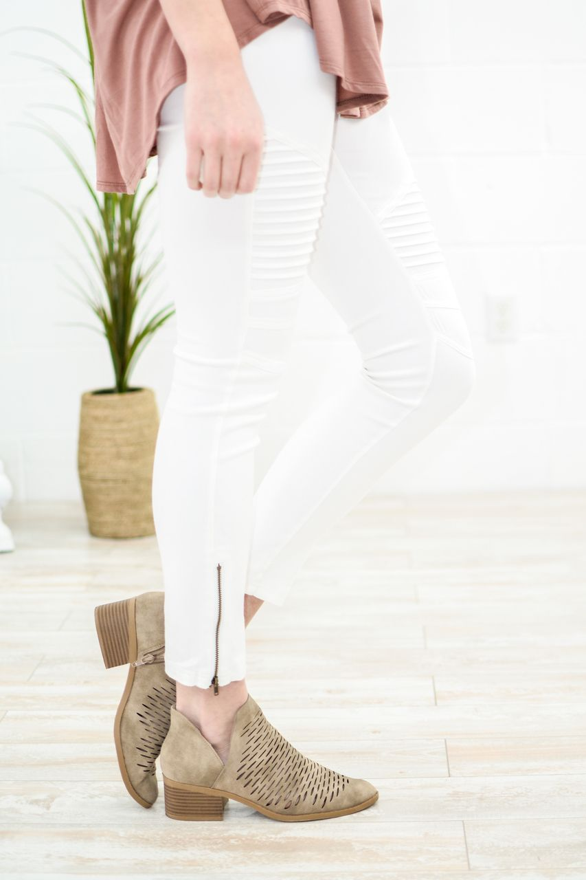 commi motto jeggings in off white jeggings and mottos commi motto jeggings in off white