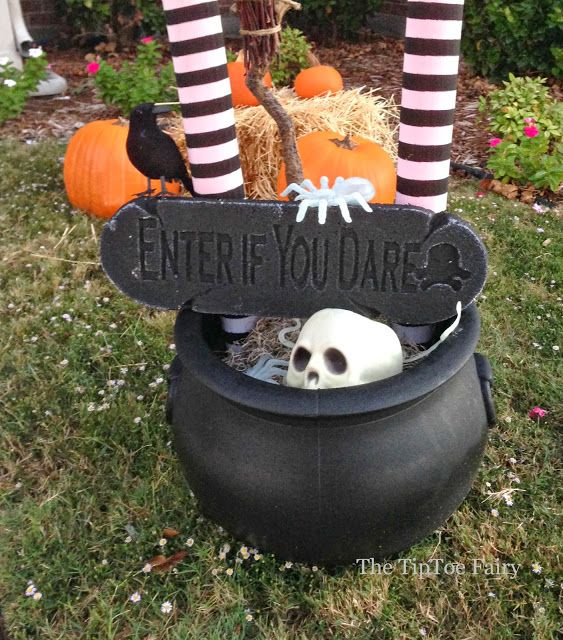 50 Best DIY Halloween Outdoor Decorations Witches and DIY Halloween - homemade halloween outdoor decorations