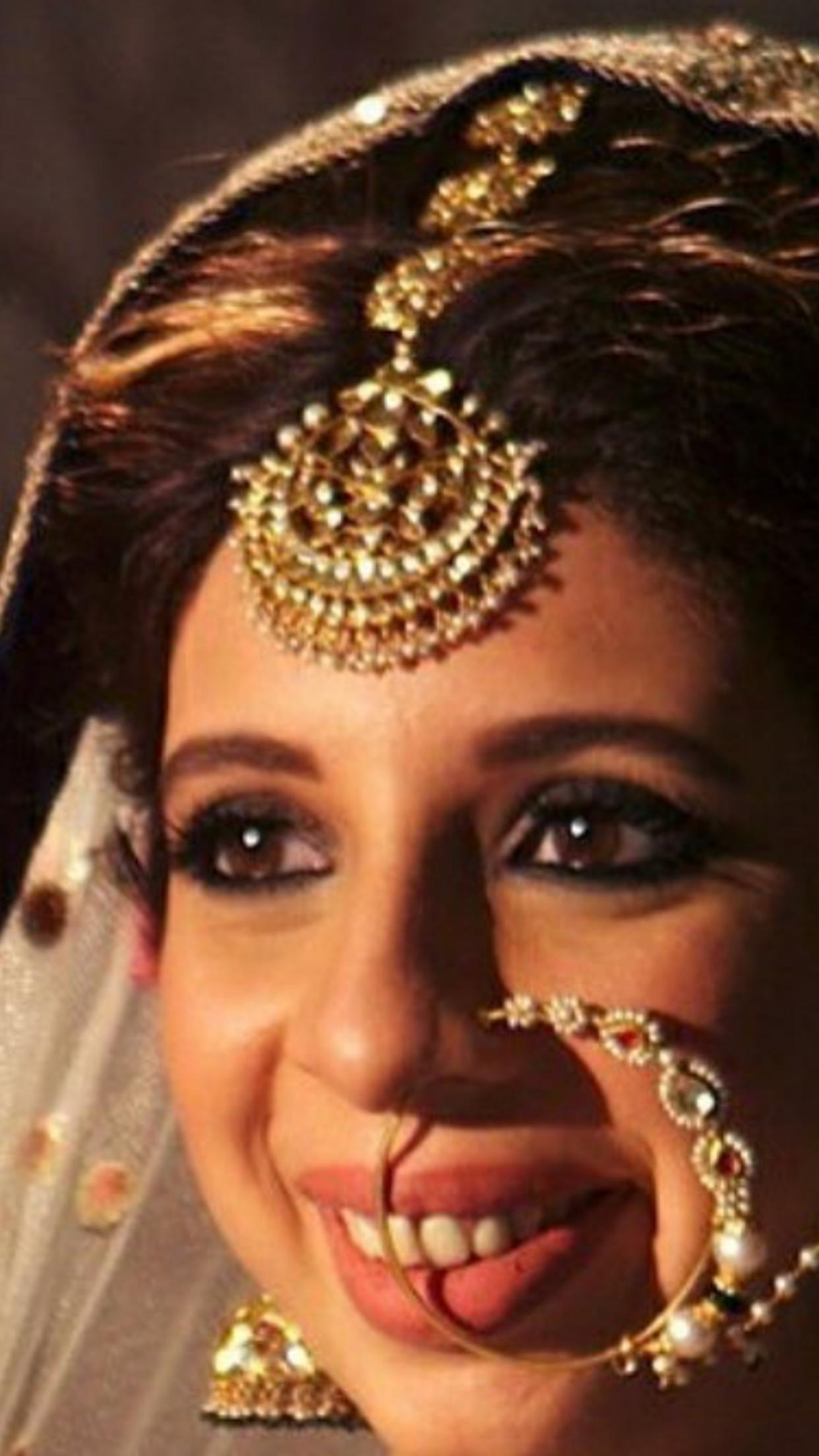 pin by sangeetha on hair ornaments & mattal   bridal hair