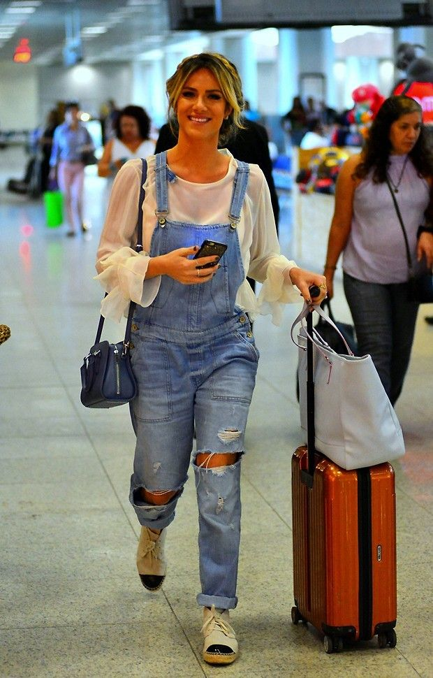 9b2a612a2d 11 Looks da Giovanna Ewbank Por Aí - Fashionismo Macacão Jeans Feminino