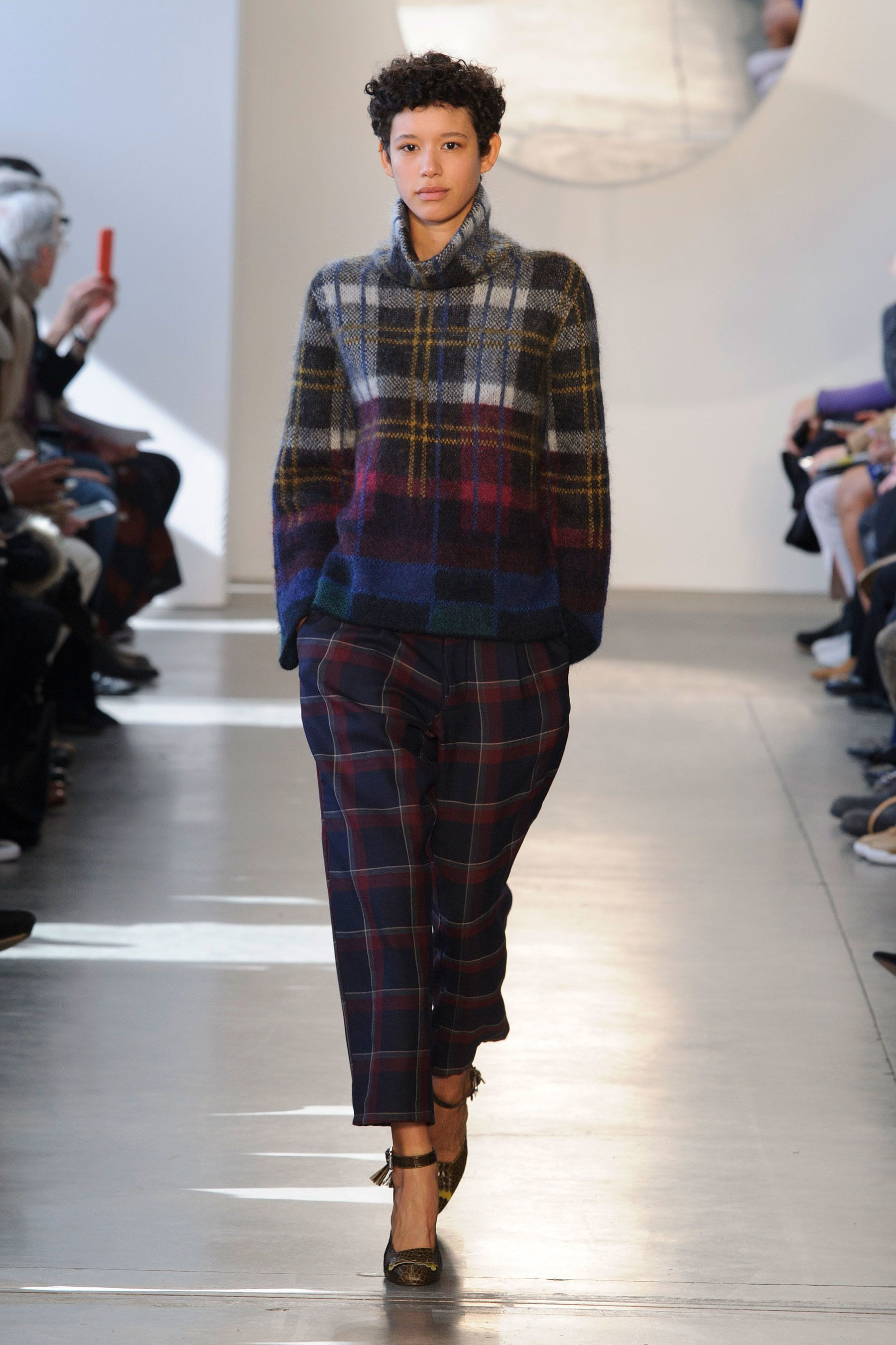 07bad17d4e Suno Fall  16 plaid look  boxy top + ankle length pants   chic adore