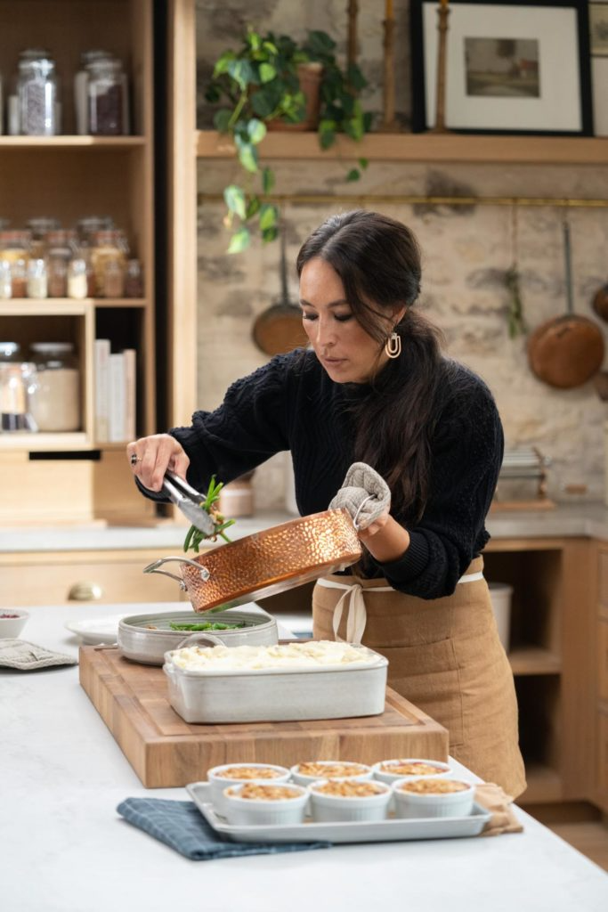 Magnolia Table With Joanna Gaines Episode 2 Magnolia In 2021 Magnolia Table Magnolia Joanna Gaines Joanna Gaines Thanksgiving