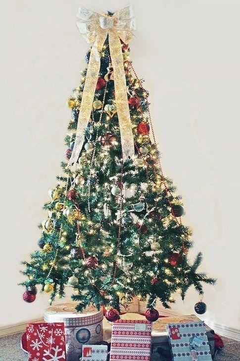 30+ Festive And Joy Christmas Tree Ideas With Ribbon #ribbononchristmastreeideas