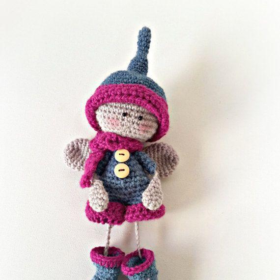 Ehi, ho trovato questa fantastica inserzione di Etsy su https://www.etsy.com/it/listing/252598942/bambola-elfo-all-uncinetto-angelo