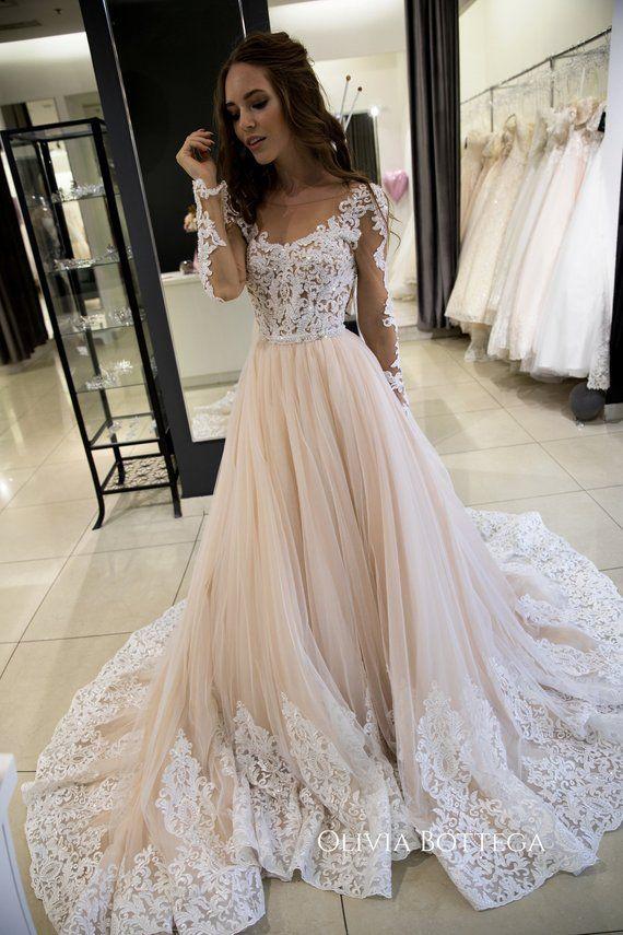 Eine Silhuette Hochzeit Kleid Greyst von Olivia Bottega, lange Ärmel Brautkleid, Spitze auf der Unterseite des Rock-Hochzeits-Kleid