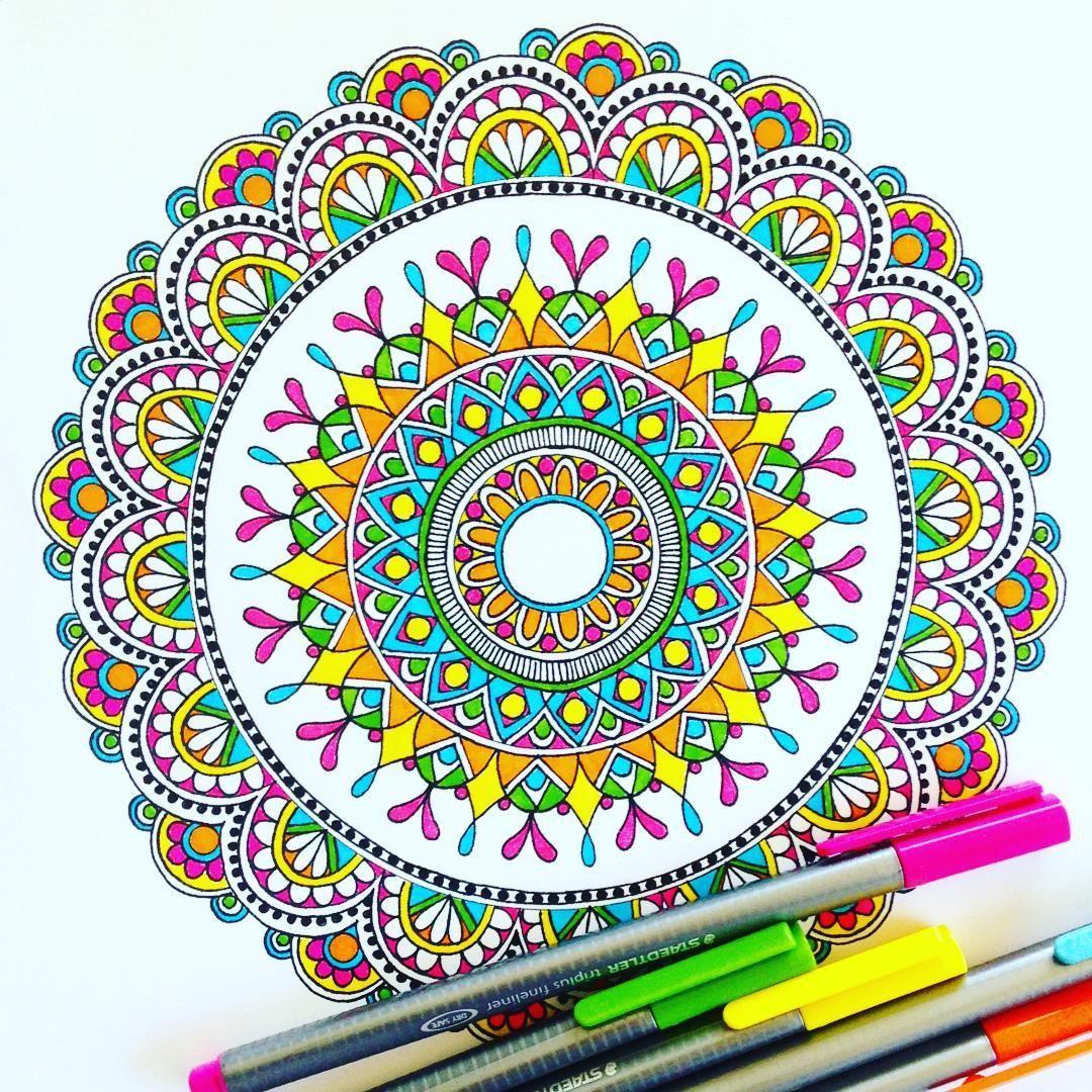 1 507 Me Gusta 21 Comentarios Jo Burey Pixichikjb En Instagram Channelling My Inner Hippy Draw Drawing Doodl Mandala Tattoo Mandala Drawing Mandala