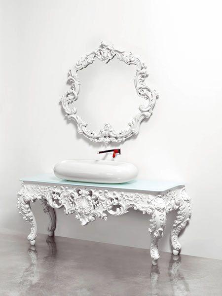 Décoration intérieure salle de bain / meuble vasque lavabo miroir