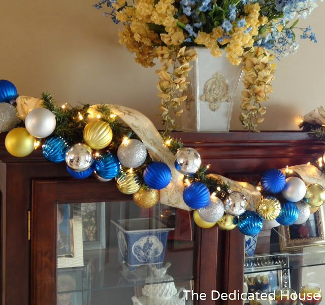 Cute Blue And Gold Christmas Decor