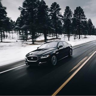 Blurred lines, clear style. #xe 📷: @bryanadamc