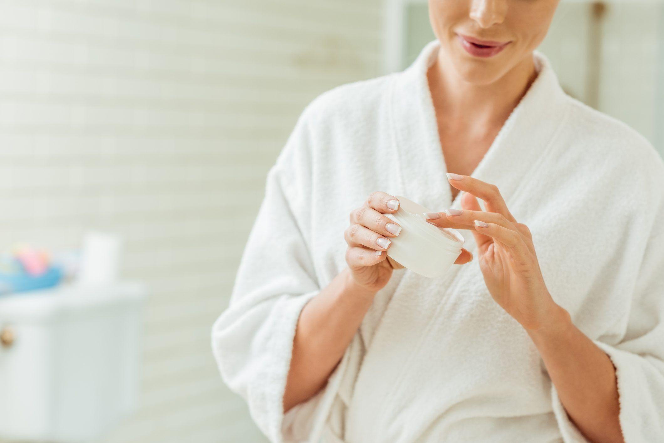 Crema antirughe fai da te: come prepararla a casa con solo..