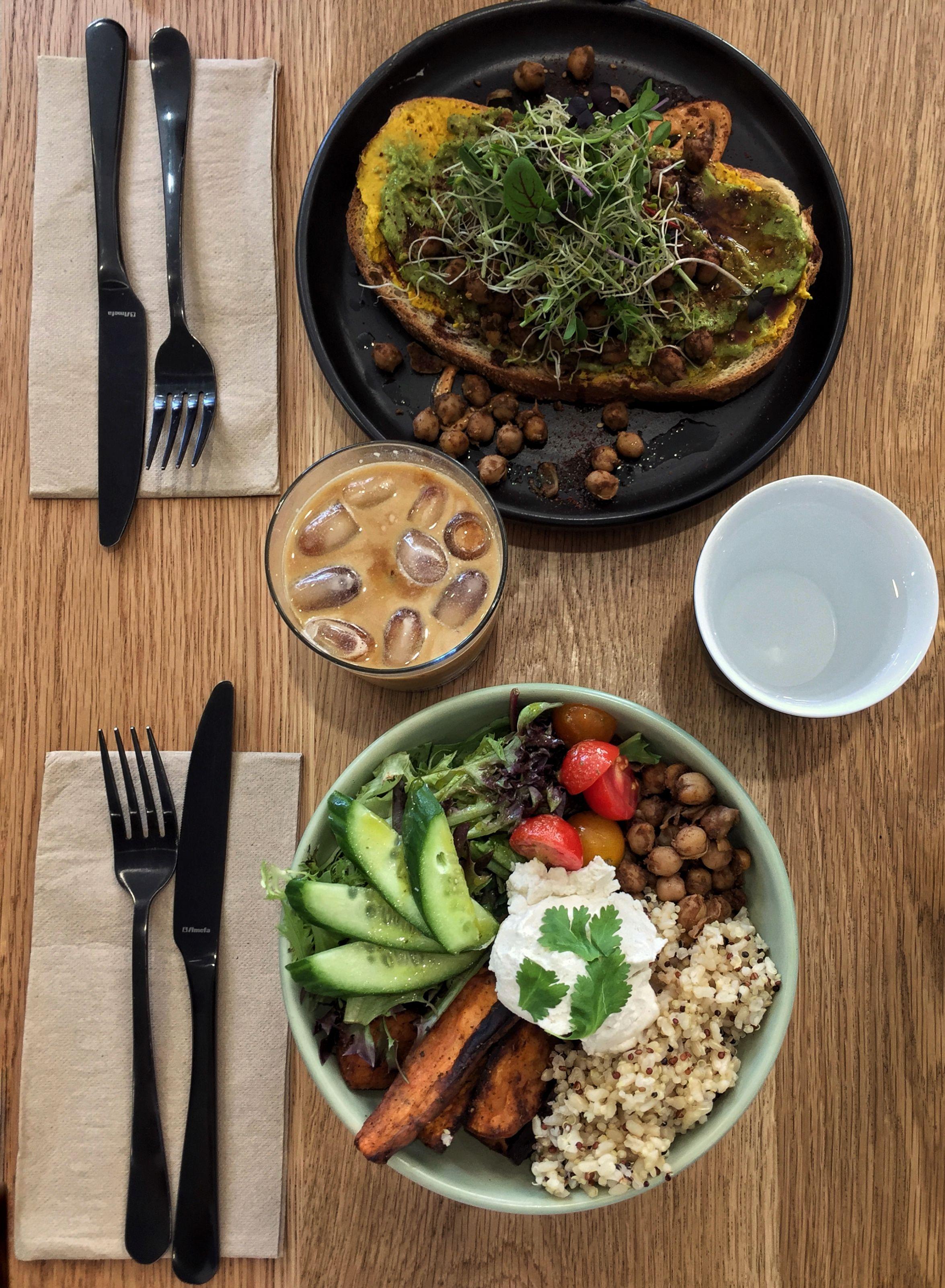 8 Vegan Cafes In Sydney To Go And Get Your Nourish On Latte Luxe Vegan Cafe Vegan Food