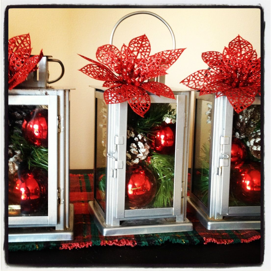 Christmas Lanterns Cute But Needs A Big Bow Tied On Top Christmas Lanterns Xmas Centerpieces Lanterns Decor