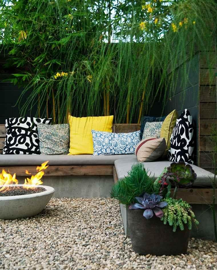 Chemin es ext rieures id es pour jardin terrasse et balcon chemin es d 39 ext rieur jardin - Foyer exterieur pour jardin ...