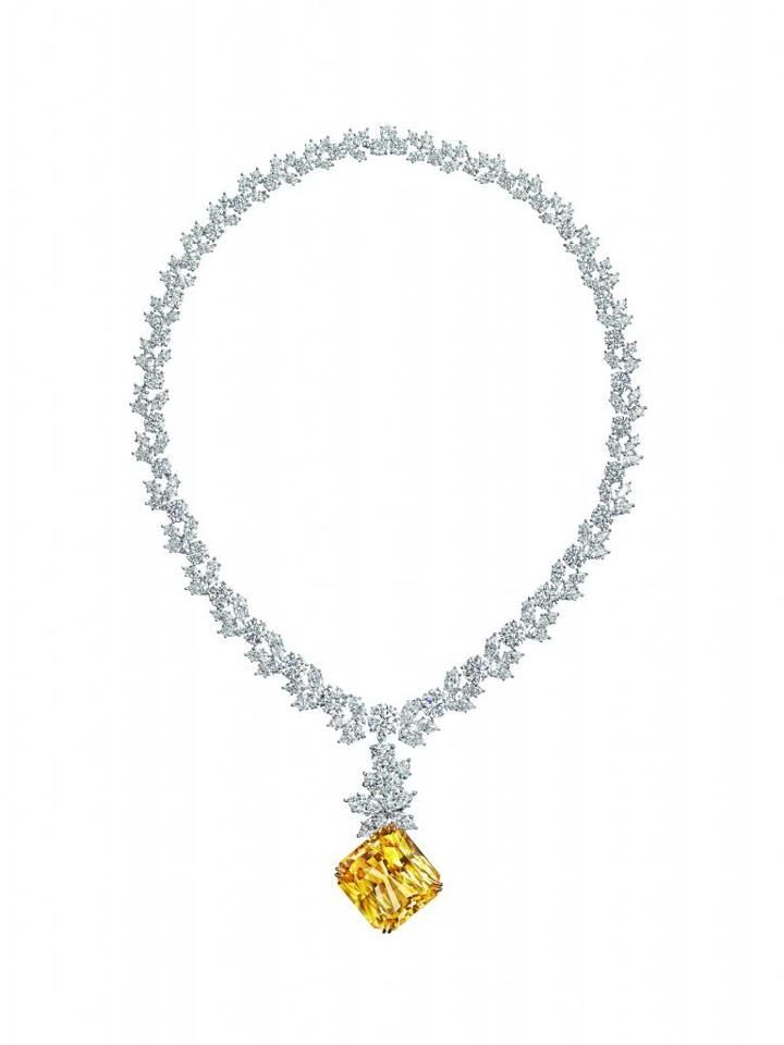 The Isadora Diamond Necklace By Harry Winston 51 94 Carat Yellow Sapphire Necklace Worn By Kate Hudson In Beautiful Necklaces Jewelry White Diamond Earrings