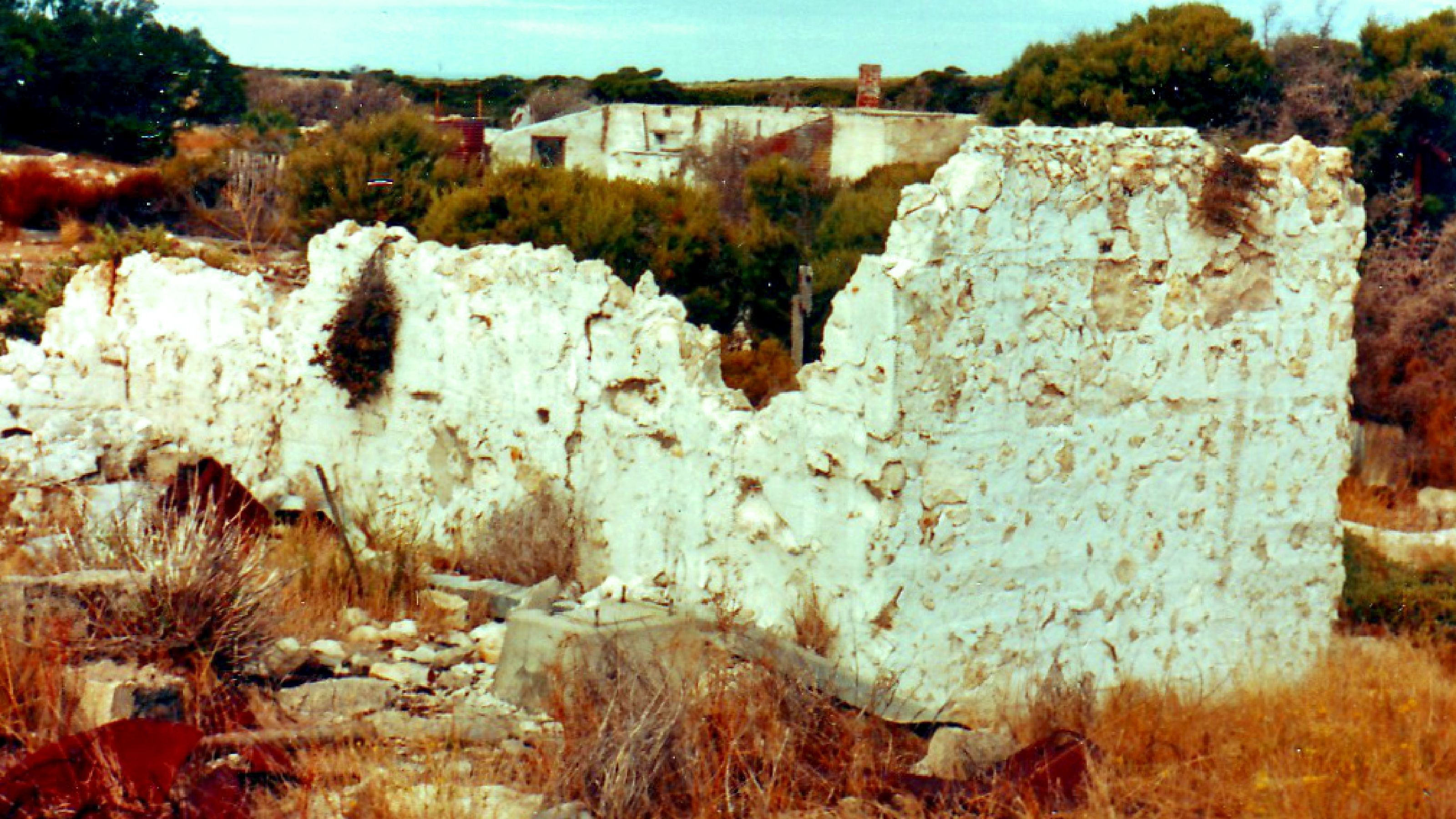 Inneston SA: abandoned gypsum mining town (1986)