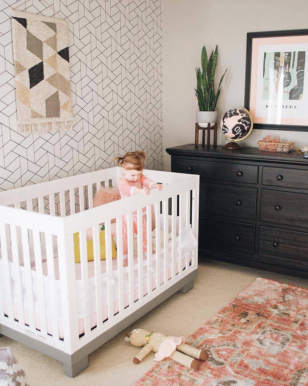 Modern Nursery Wallpaper: Eyeing That Amazing Tessellation Pattern • #babyletto Modo