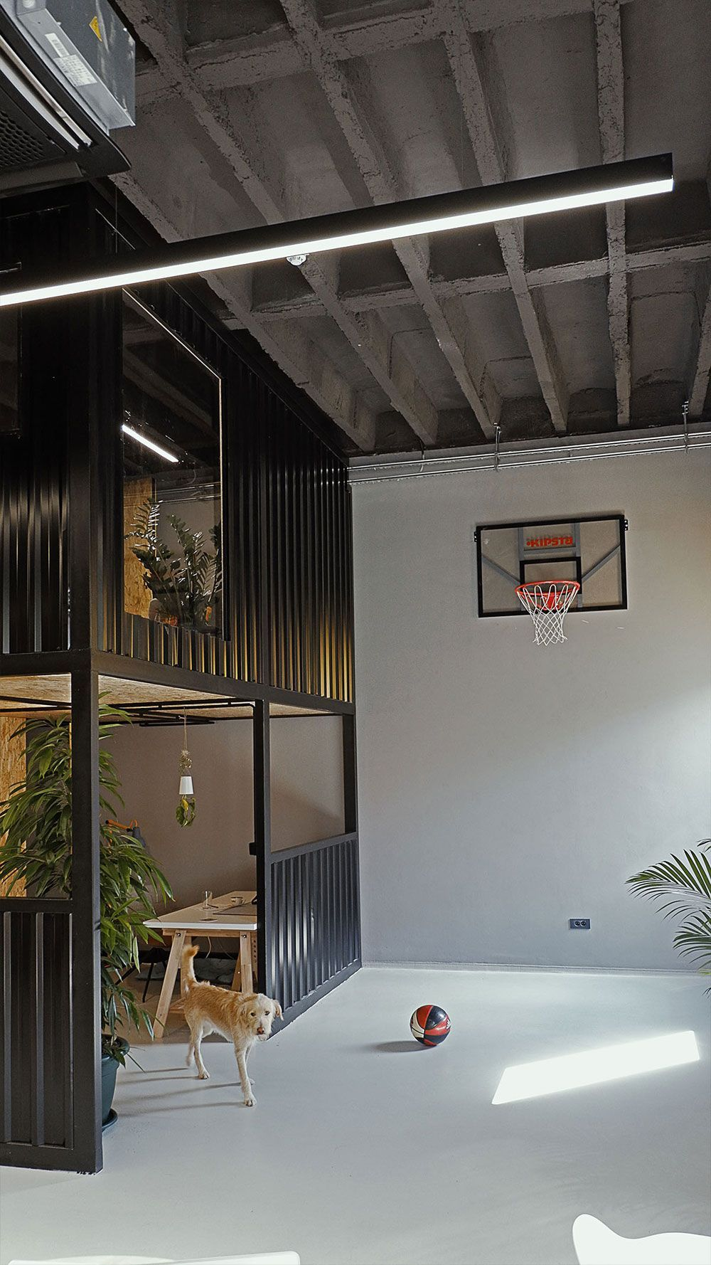 I To Nije Sve Creative Agency Moves Into New Offices In Zagreb Croatia Agency Agencyofficeinspiration Home Office Design Hotel Room Design Office Design