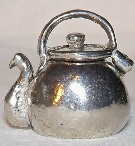 Collectable Pewter Kettle Thimble