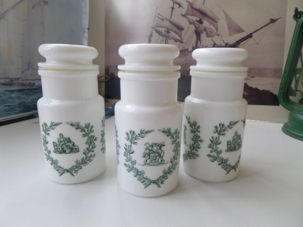 GO PENTYOFAMELIE.com -Vintage French Small Milkglass Herbs & Spices Jars With Romantic Baroque by pentyofamelie