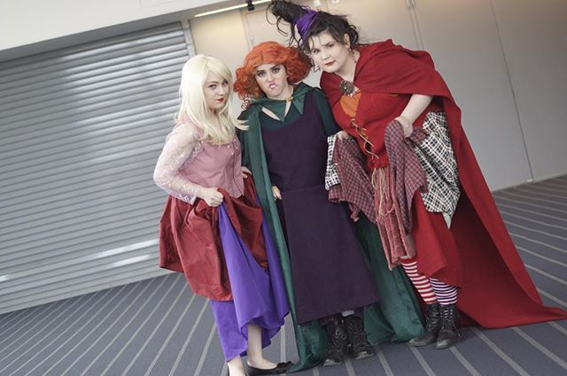 Witch, Please \u2014 These 19 Halloween Costumes Are Positively - sisters halloween costume ideas