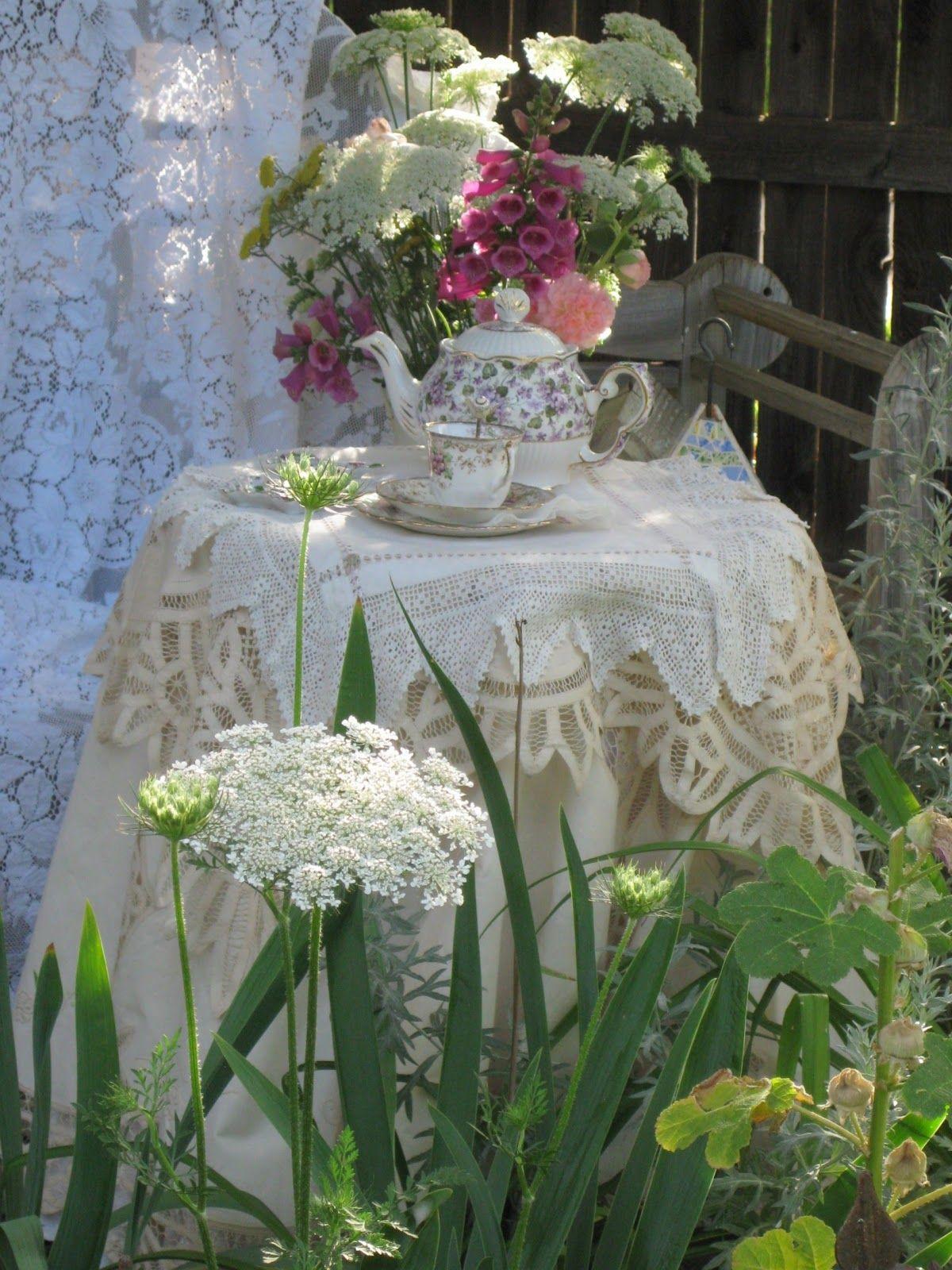 Lace and tea...romantic idea in the garden, garden idea, idée pour le jardin, ideo por la ĝardenon, Идея для сада,Idee für den Garten