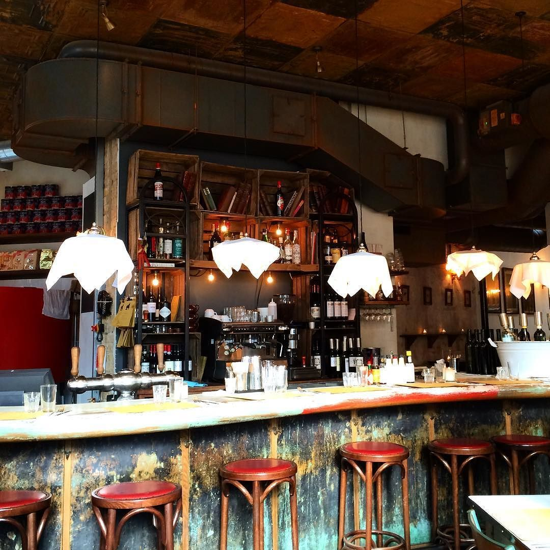 Love the napkin lights! @polpo_restaurants #London #throwback #jetlagtales by radhikamisra1