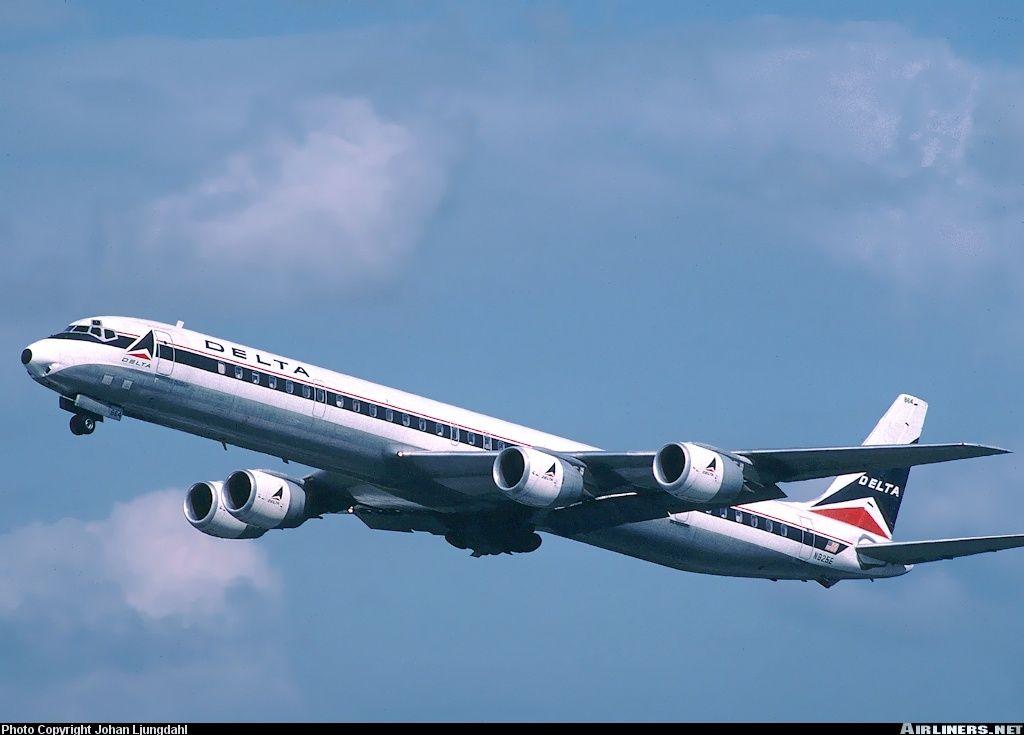 Delta Air Lines N825E McDonnell Douglas DC871 aircraft