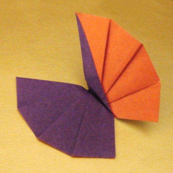 des origamis en forme de papillon papier paper pinterest. Black Bedroom Furniture Sets. Home Design Ideas