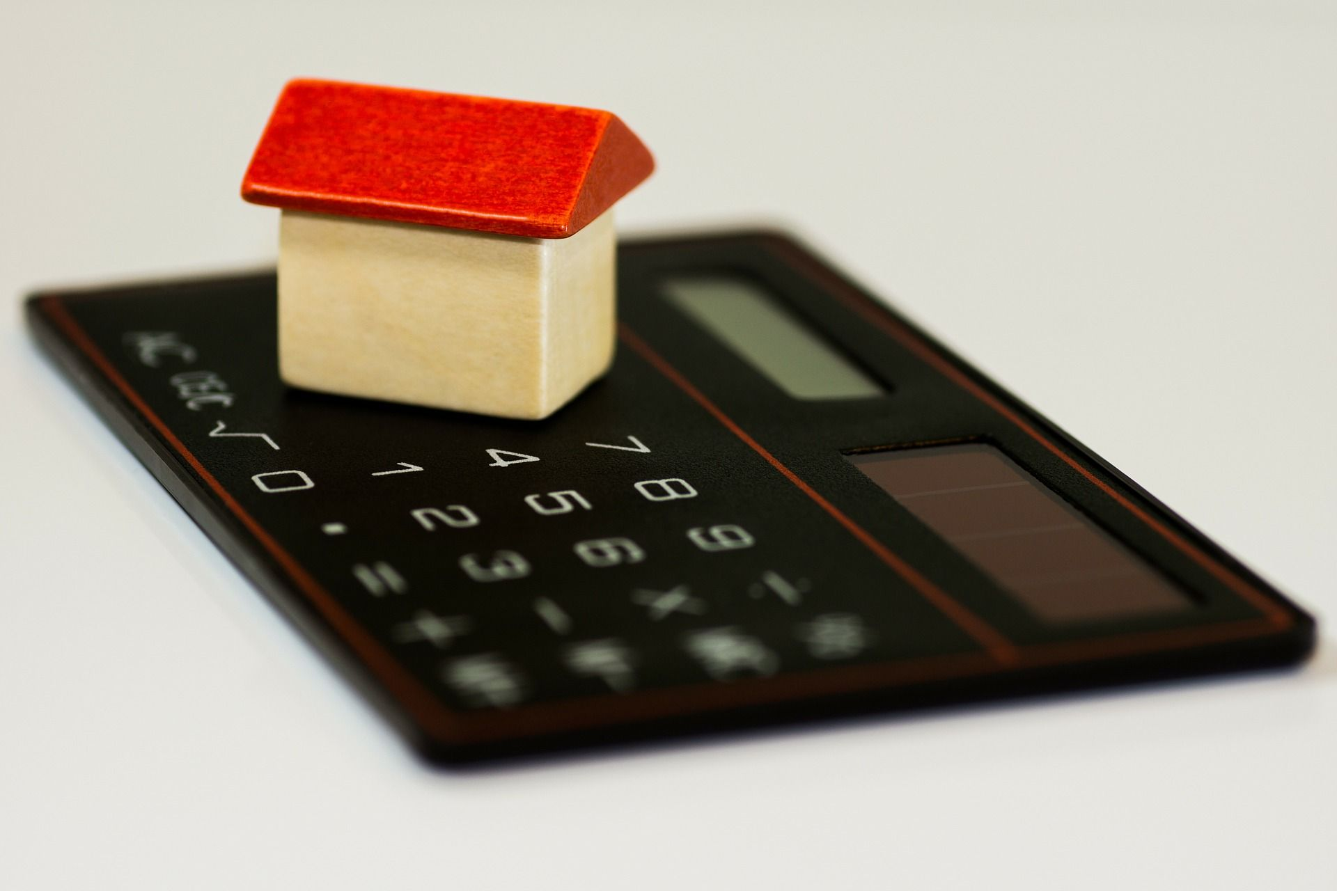 Learning how to get a mortgage is not so difficult. Here are some simple ways to save as much money as possible.