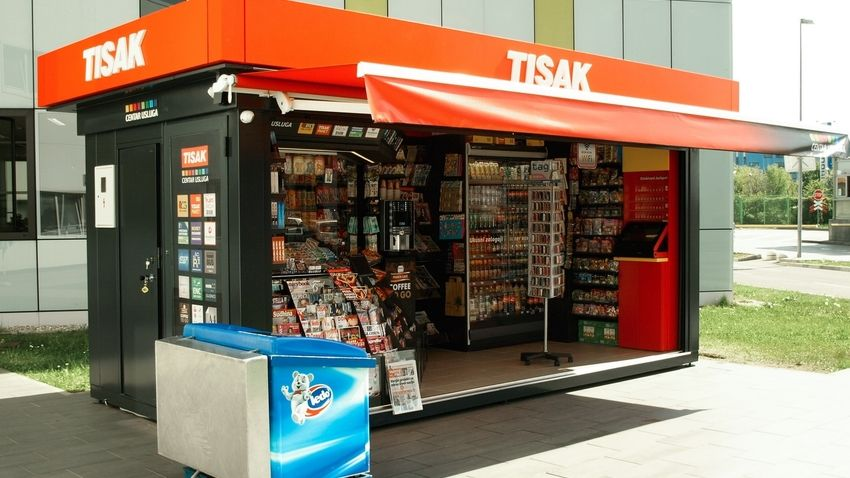 custom made kiosk WALK IN for newspapers, cigarets and