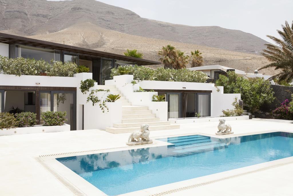 Pin de wara won en pool villa Vacaciones en grecia