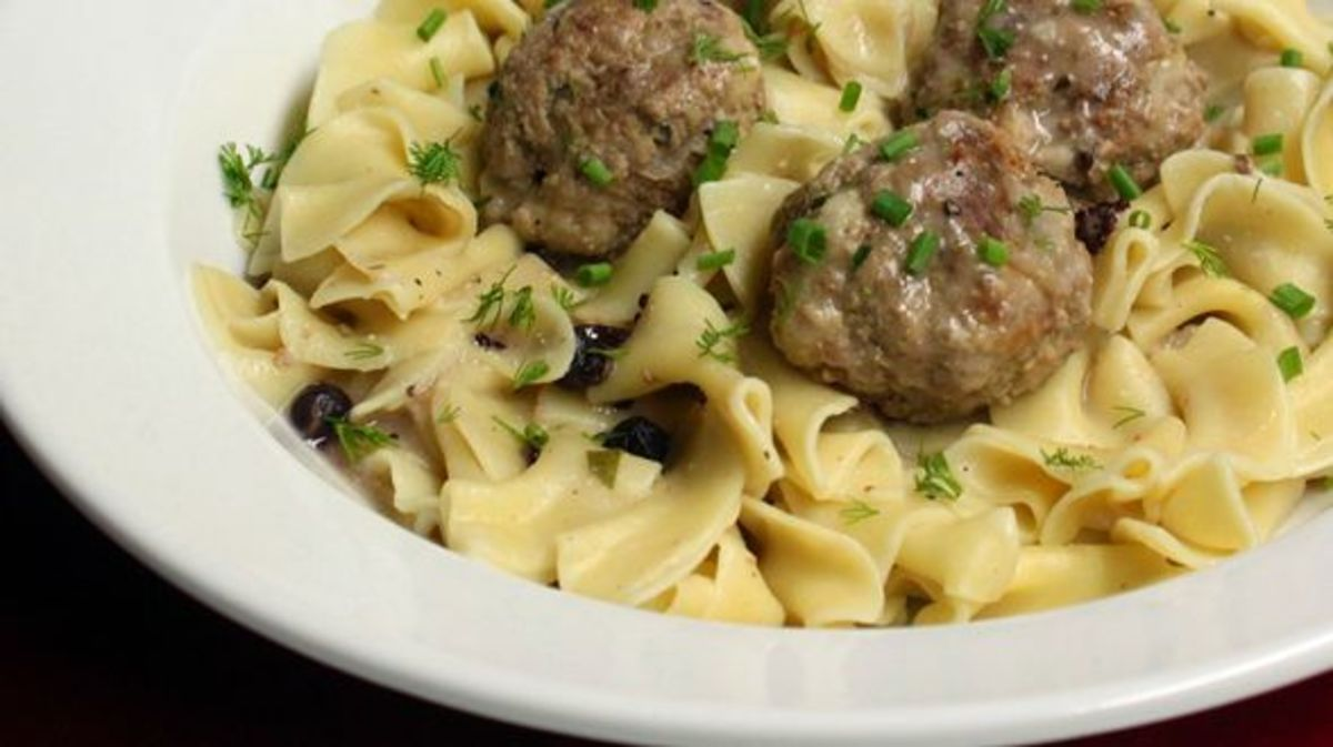This sweet and savory Swedish meatball recipe works well for entertaining with the meatballs served on their own with toothpicks, and is a guaranteed winner for dinner served over the egg noodles.