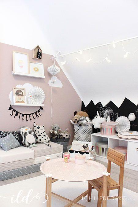Kinderzimmer Deko mit Spielpolstern von http://www.lazychicken.de ...