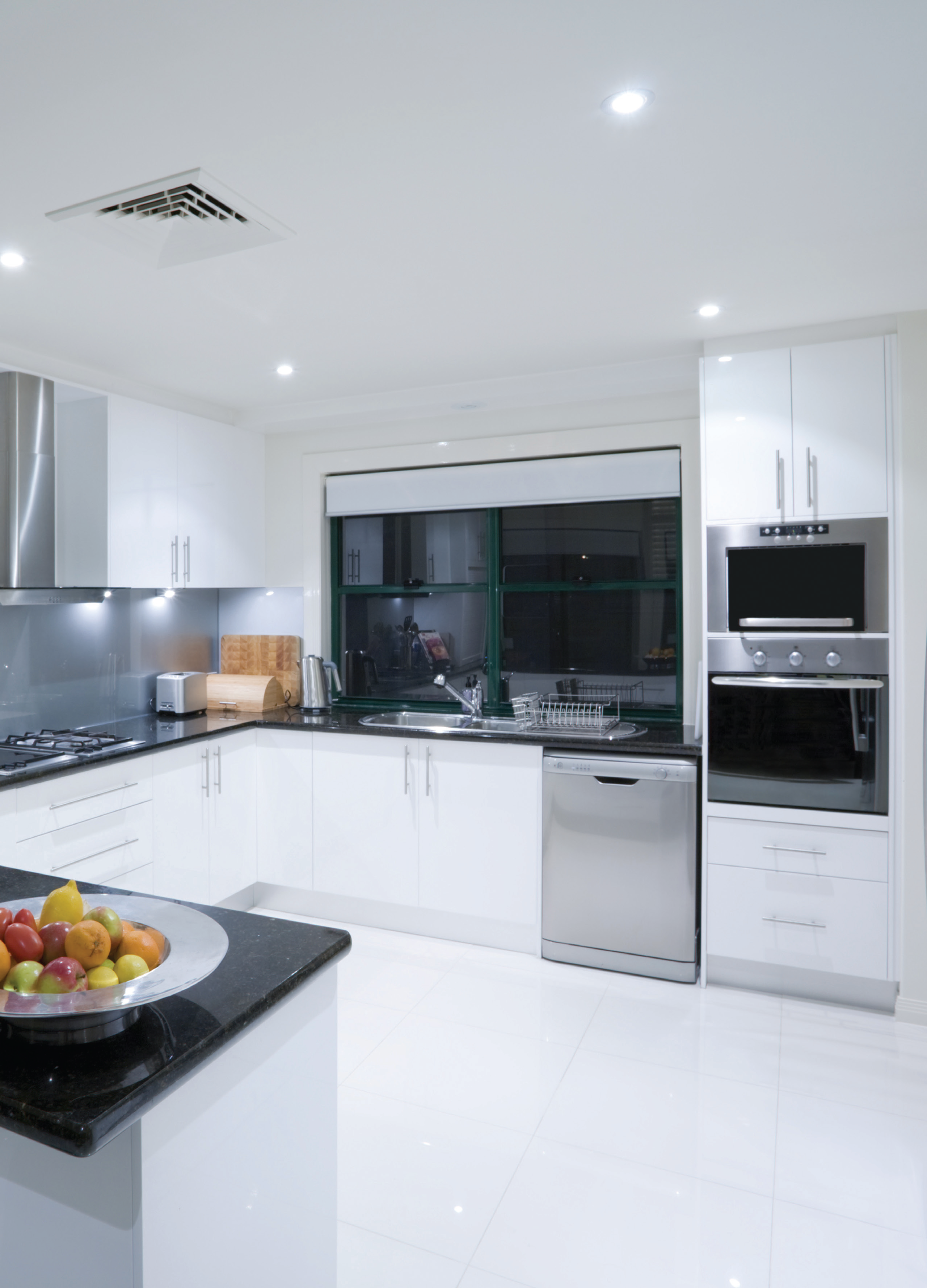 Flawless #Kitchen #Inspiration! Built in Appliances from Nagold by ...