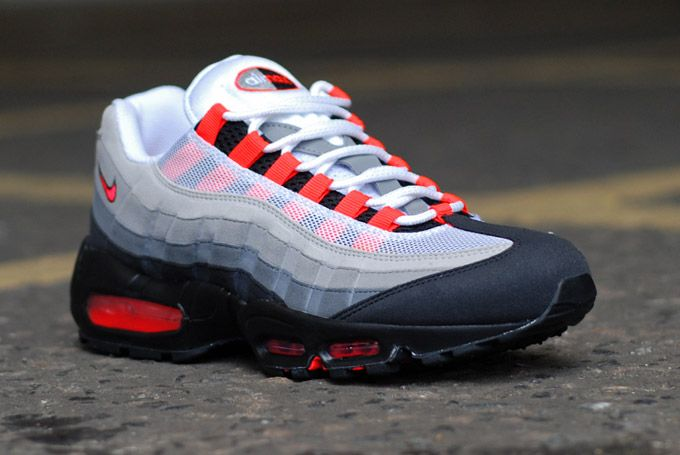 competitive price 49ae9 47afb Pin by Florian Martin on Sneakers  Pinterest  Air max 95, Ai