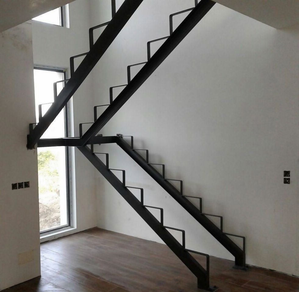 Estructura metalica para escalera madera pinterest for Escalera metalica en l