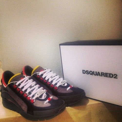 dsquared shoes greece