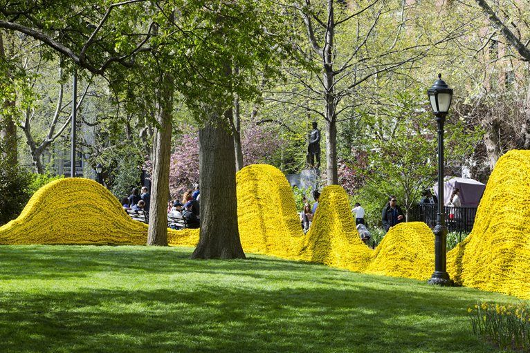 Orly Genger reshapes the park with coloured paths of knotted rope