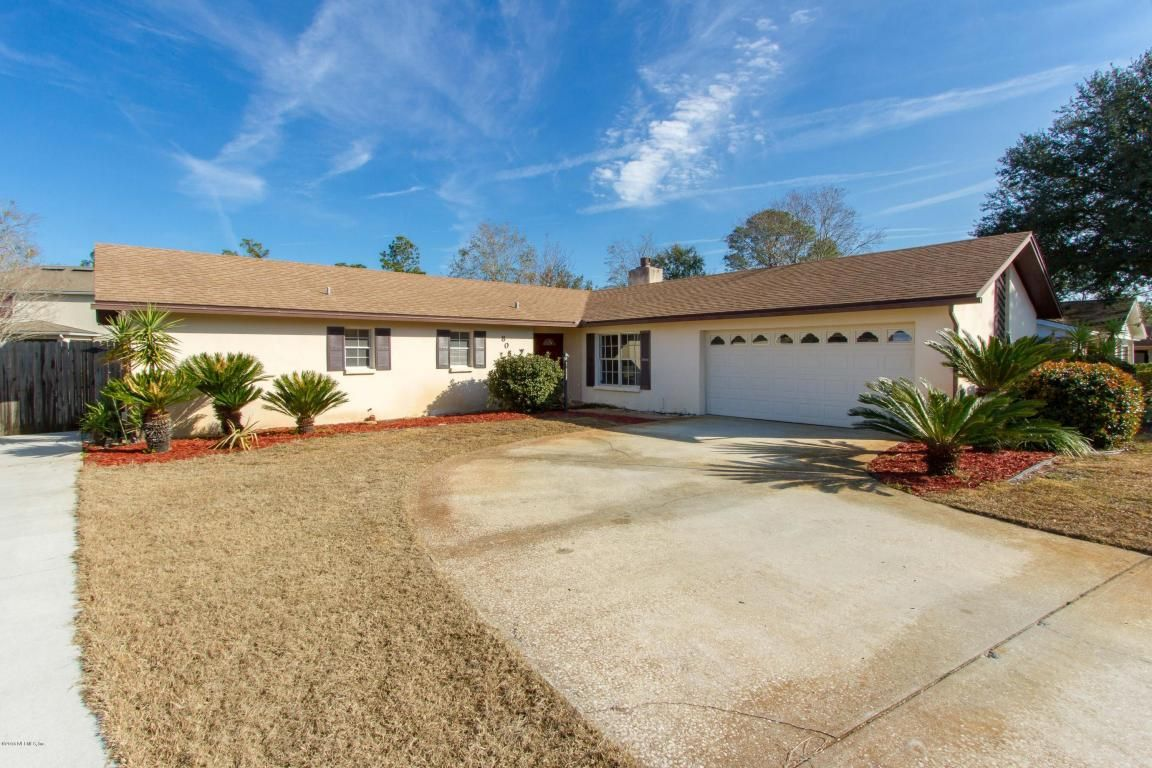 8055 STARGRASS CT, JACKSONVILLE is a 3 bed, 2 Baths Single
