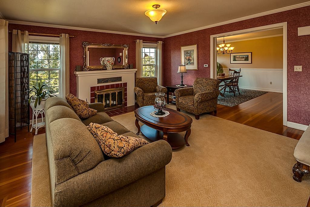 1915 Craftsman Home Interior With Fir Floors Wallpaper And Crown Molding Home House Interior Home Decor