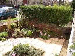 Pin by Debbie Parry on Front garden (With images) | Small ...