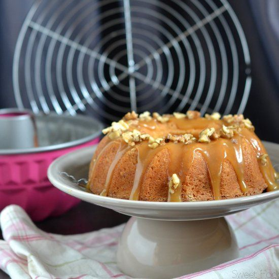 A simply recipe of bundt cake with nuts and caramel