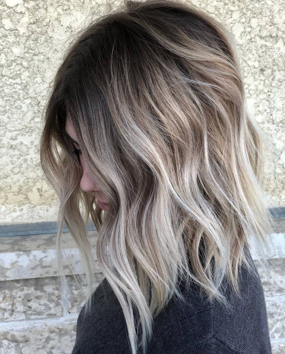 10 Medium to Long Hairstyles in Exciting Blonde Co