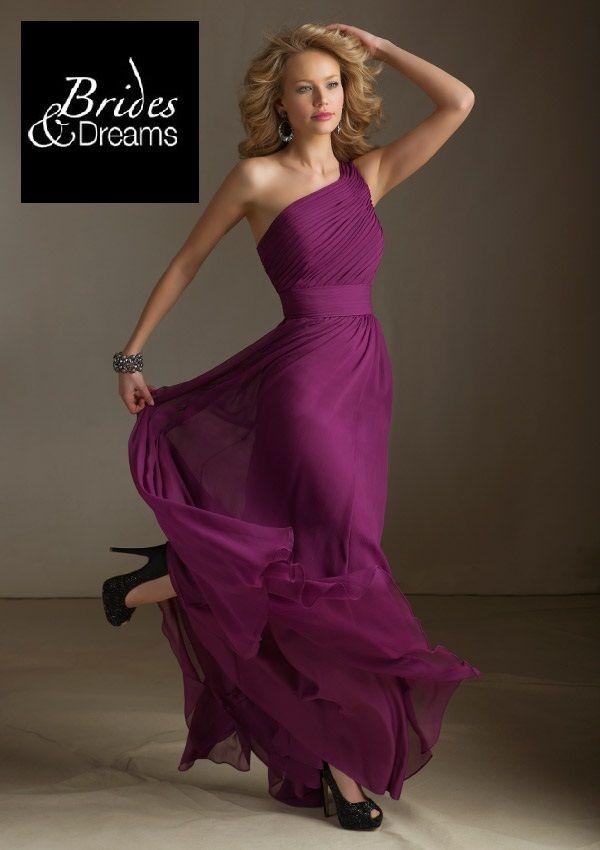 Mira este hermoso vestido de una sola manga, simplemente hermoso ...