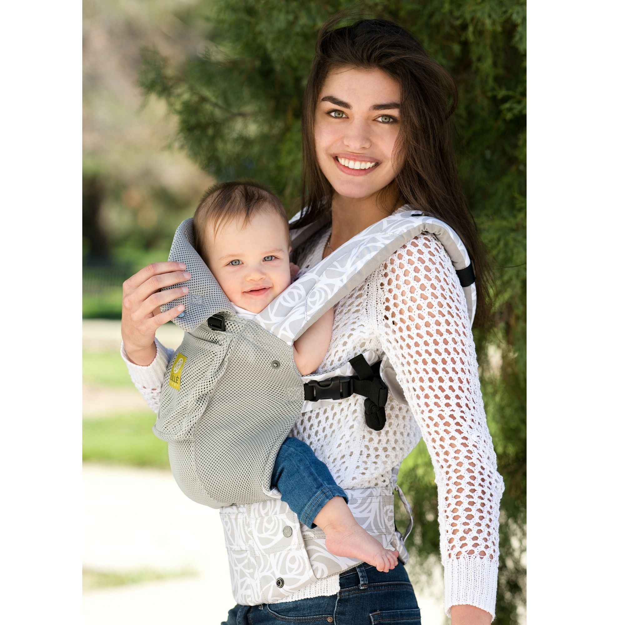 a9e7f03a6d9 LILLEbaby Complete Airflow - Most Breathable Baby Carrier