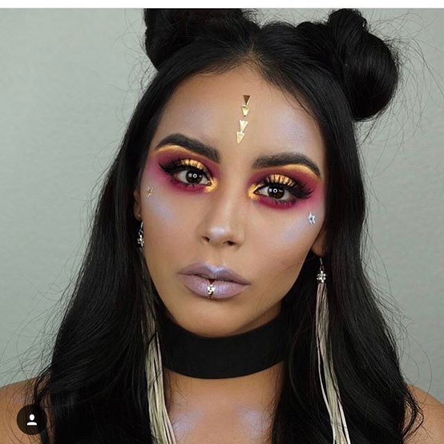 I absolutely love this makeup look by @mystyleboxx this is a gorgeous Coachella inspired look 💕