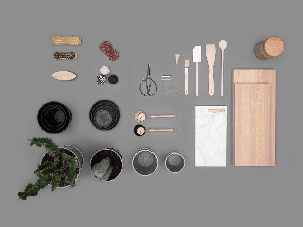 Kitchen accessories from HAY #chopchop #marble #wood #cuttingboard #flowerpot #basket #dishwashing #brush #scissor