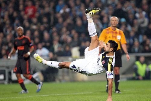 Bekir İrtegün de rövaşata modasına uydu / Marsilya: 0 – Fenerbahçe: 1 (Video)